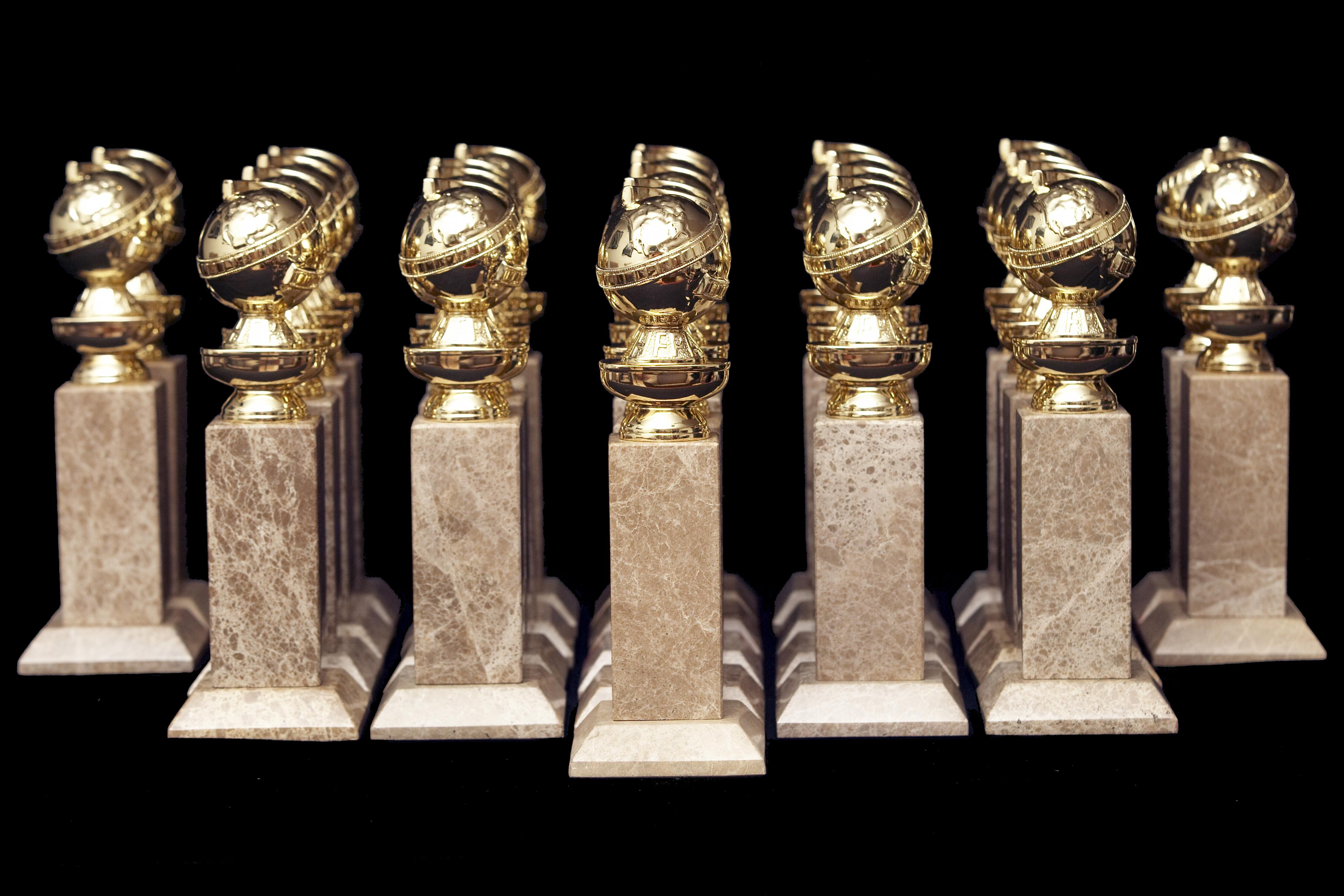 golden-globes-statutes-1