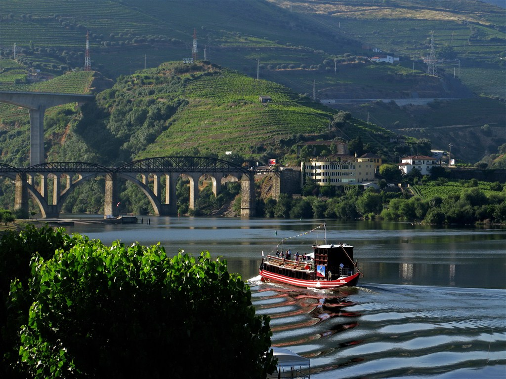 50_49_Pequena embarcação turistíca_1024x768