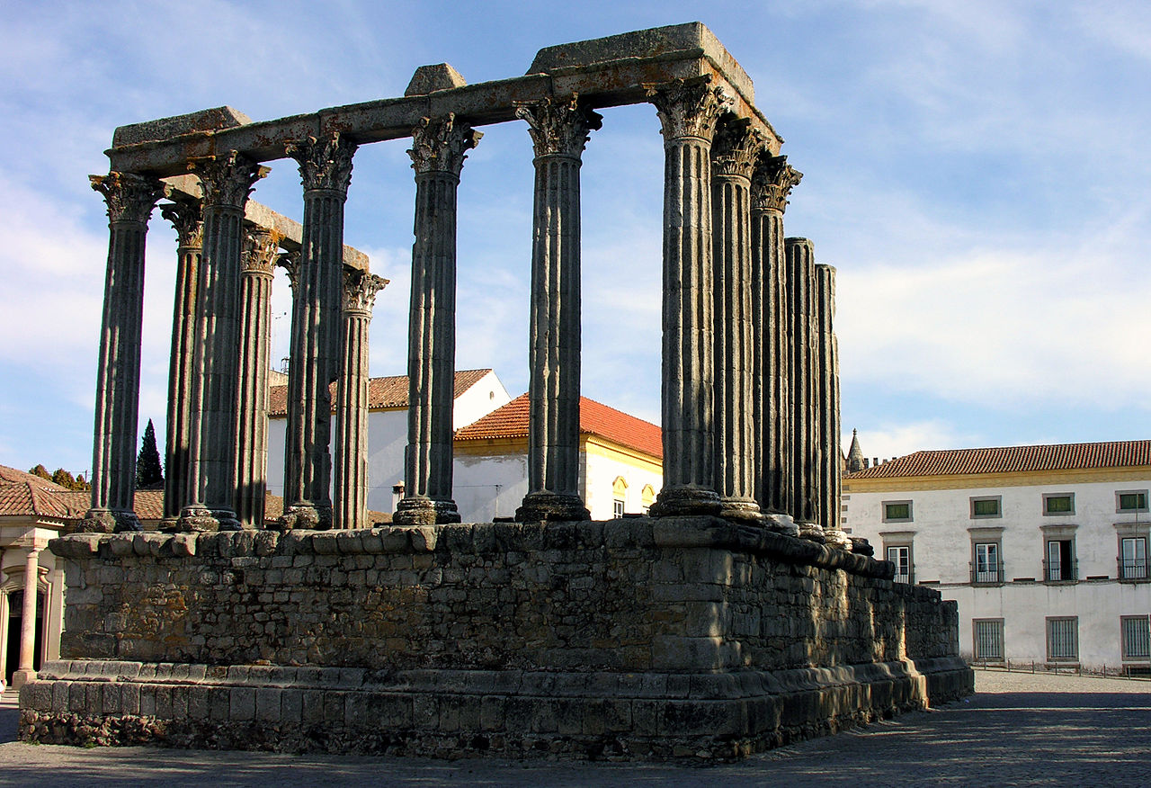1280px-Roman_temple,_Evora,_Alentejo,_Portugal,_28_September_2005