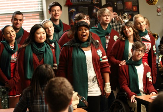 watch-glee-season-2-episode-10-a-very-glee-christmas
