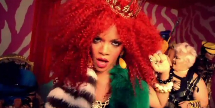 Rihanna-SM-music-video