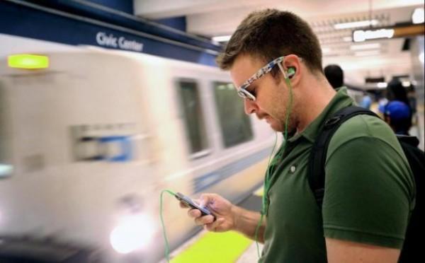 smartphone_train-630x391-600x372