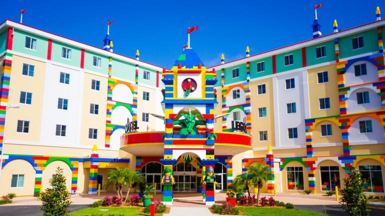 legoland-florida-hotel-front-entrance_770x433_acf_cropped