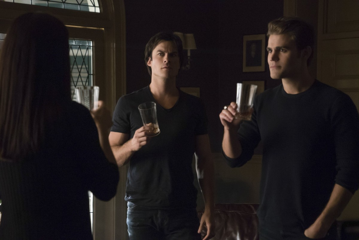 The-Vampire-Diaries-Mommie-Dearest-7x07-promotional-picture-the-vampire-diaries-tv-show-39009252-3000-2004