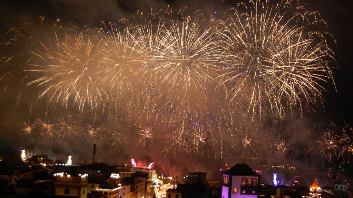 funchal_fireworks_header