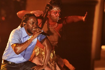 01-Kendrick-Lamar-performance-grammy-2016-billboard-650