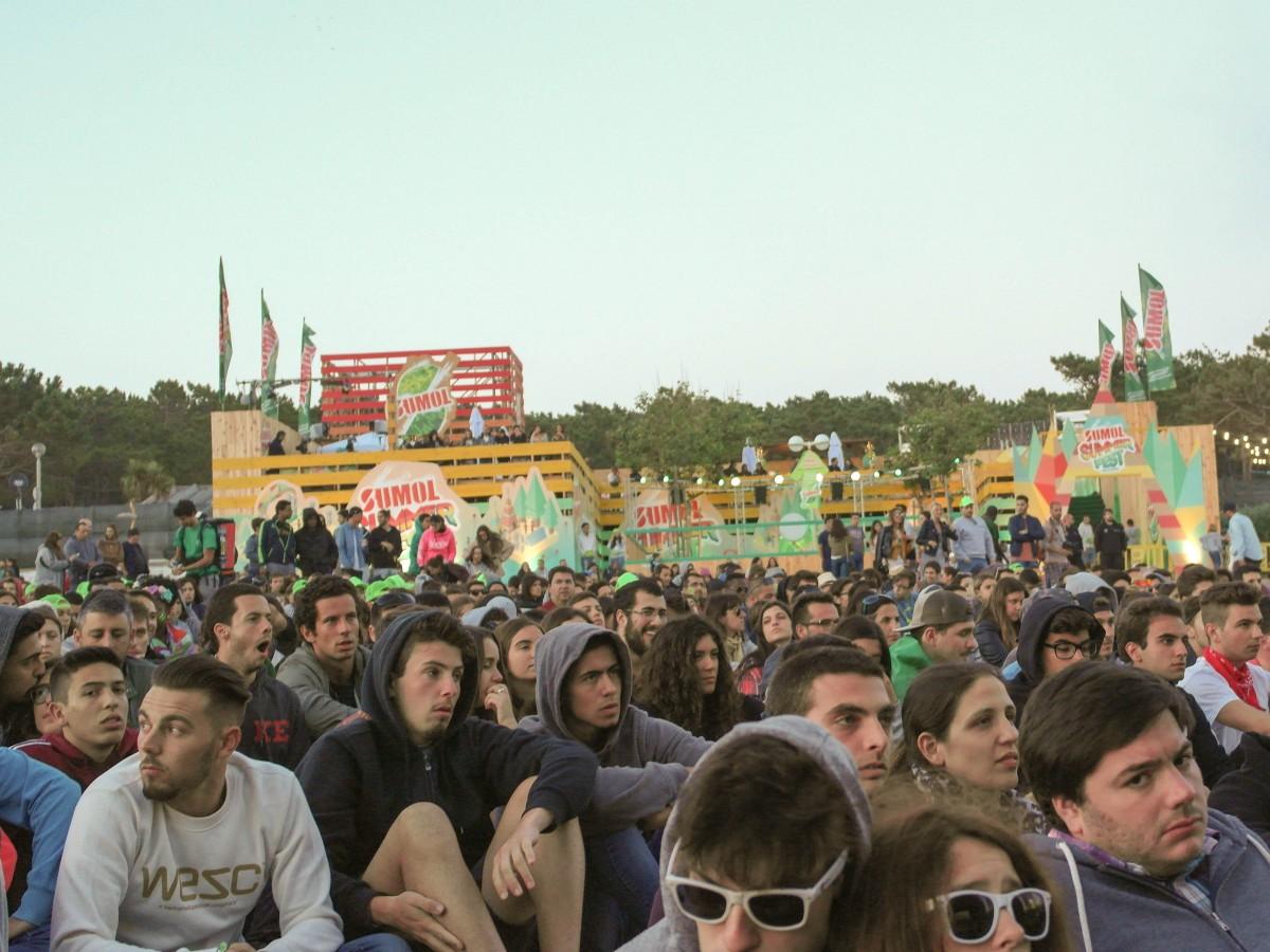 A plateia de apoio à seleção no segundo dia do Sumol Summer Fest