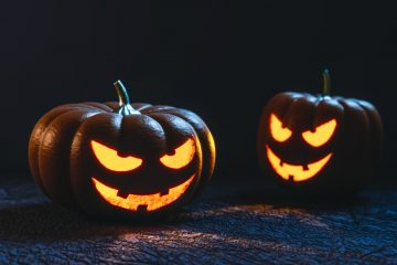 illuminated-halloween-pumpkins