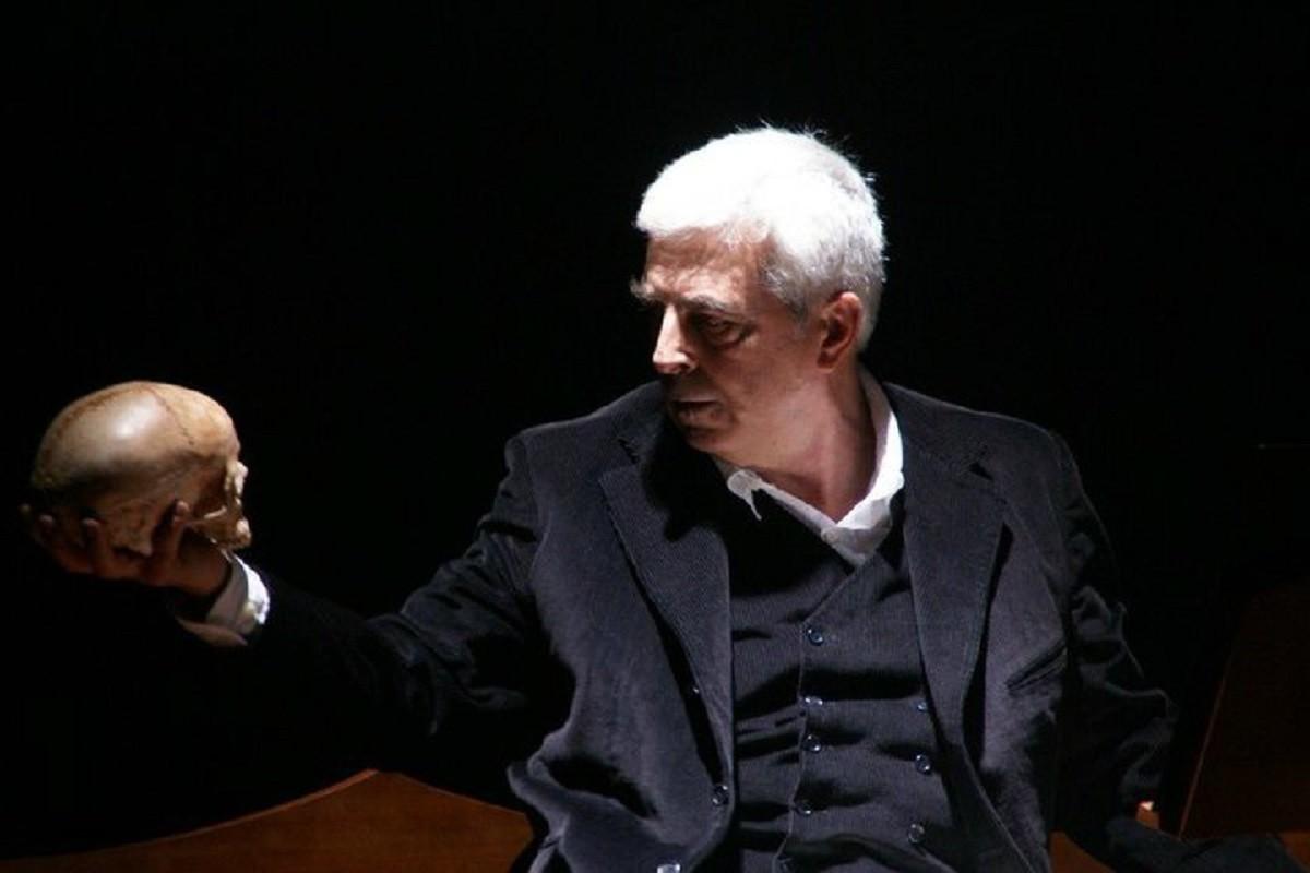 Um D. João Português