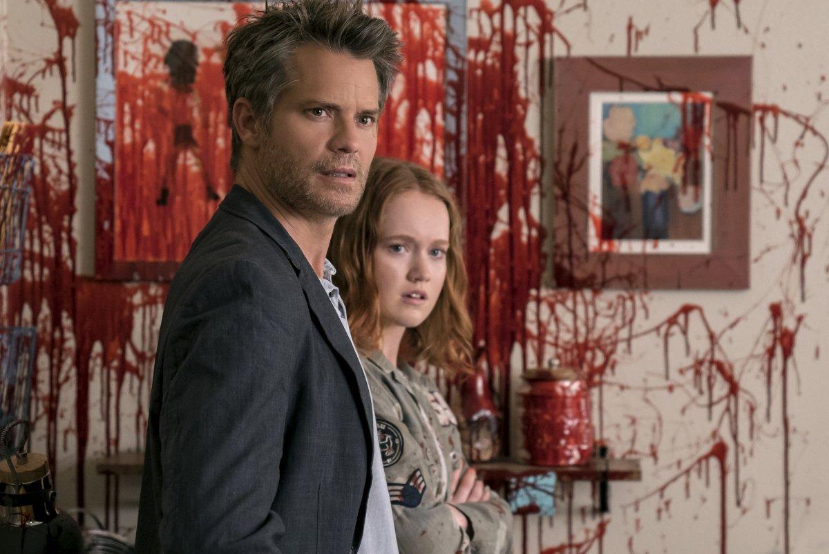 Joel (Timothy Olyphant) e Abby (Liv Hewson)