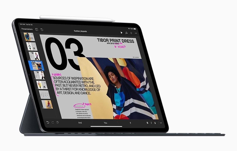 iPad Pro (2018) com o Smart Keyboard Folio e Apple Pencil (segunda geração)