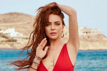 Lindsay Lohan numa praia paradisíaca
