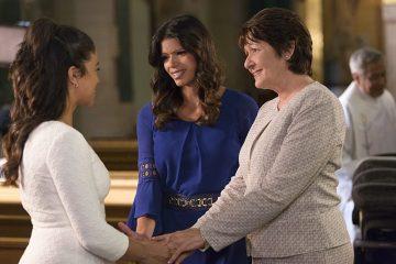 Jane, Xiomara e Alba Villanueva de mãos dadas (Dia da Mãe)