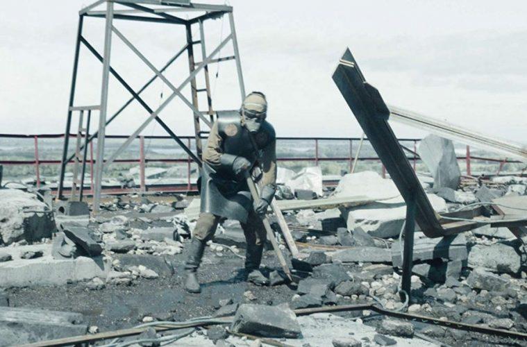 limpeza do telhado em Chernobyl
