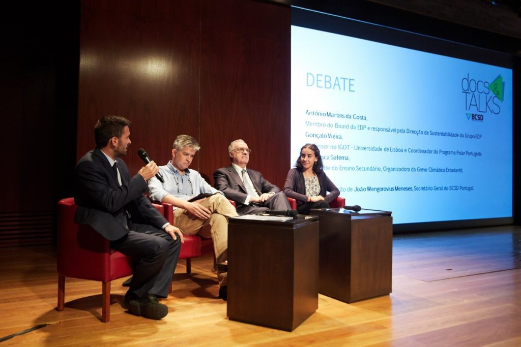 Painel de debate no visionamento de Ice on Fire