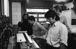 George Harrison e Paul McCartney, sintetizador Moog, Abbey Road