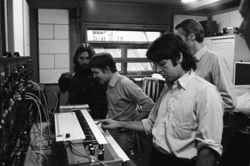 George Harrison e Paul McCartney, sintetizador Moog, Abbey Road