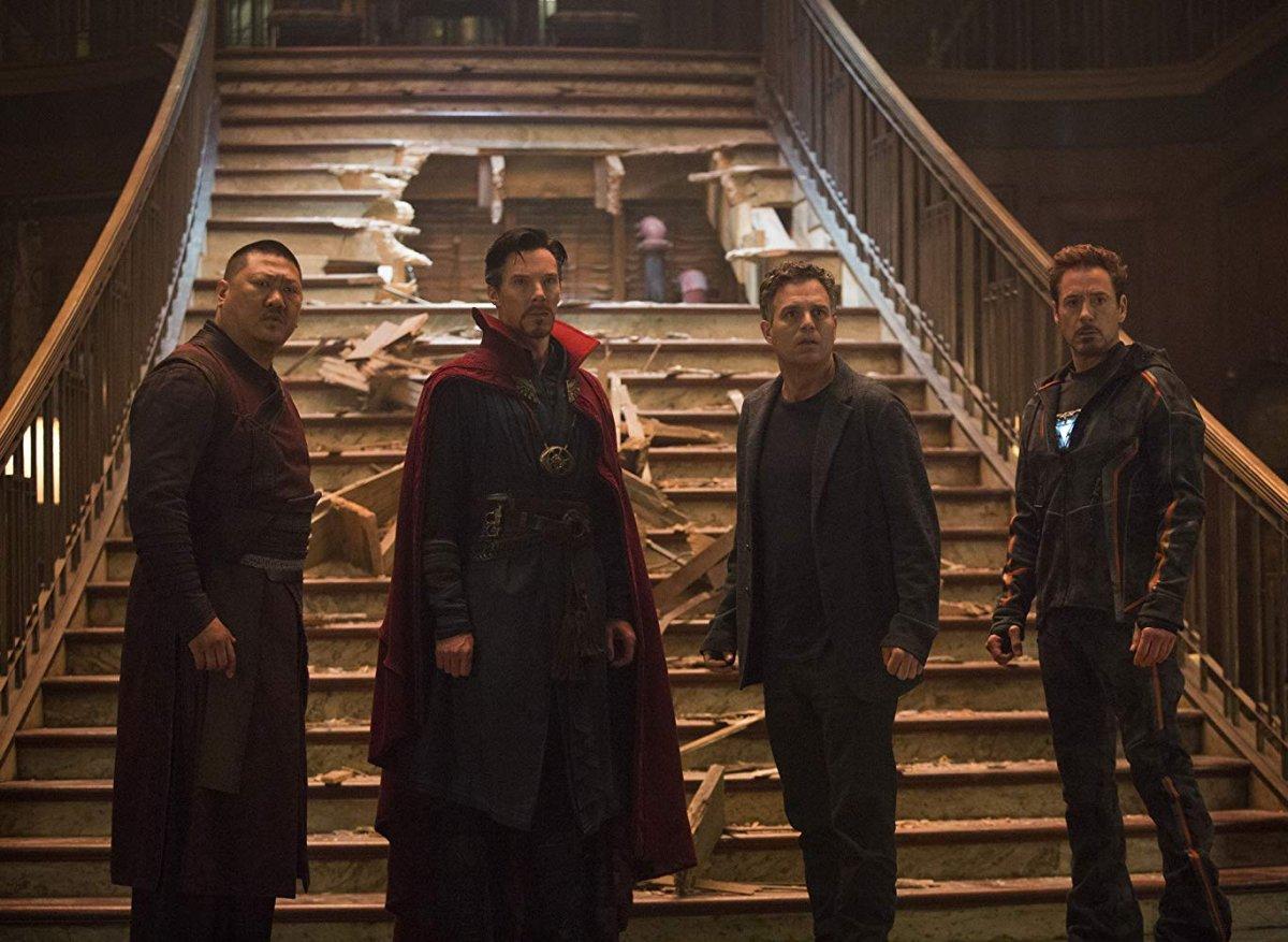 Wong, Doctor Strange, Tony Stark e Bruce Banner em Avengers: Infinity War