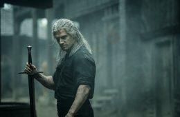 Geralt of Rivia (Henry Cavill) em The Witcher da Netflix