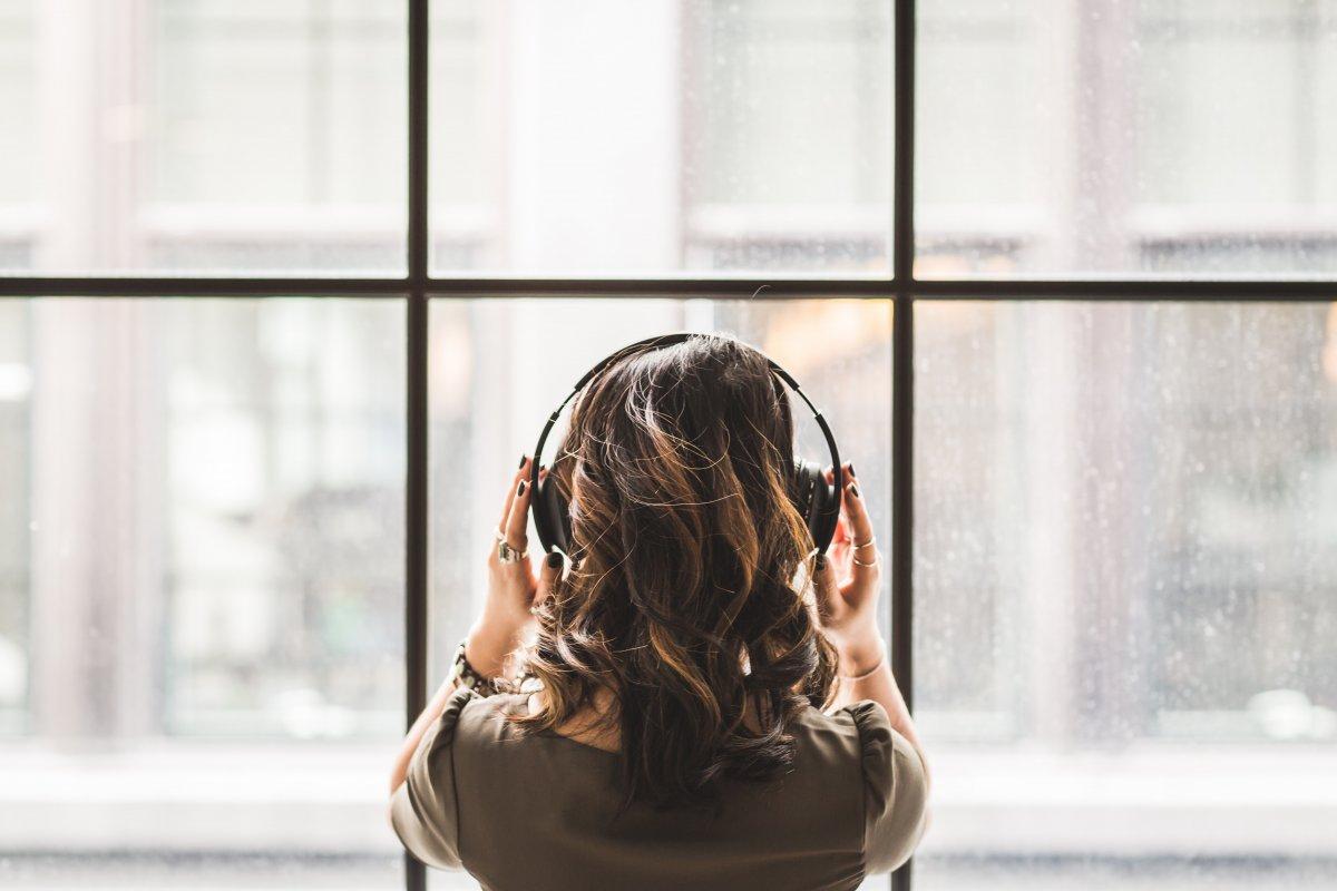 listening to music ouvir música álbuns