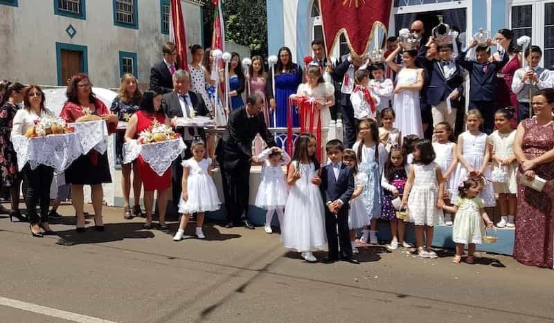 Festas em Honra do Divino Espírito Santo (Açores)