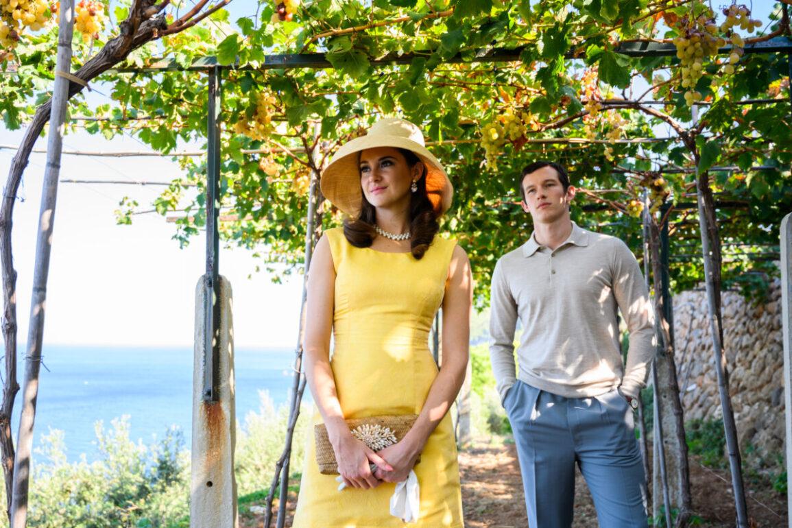 Shailene Woodley e Callum Turner em A Última Carta de Amor